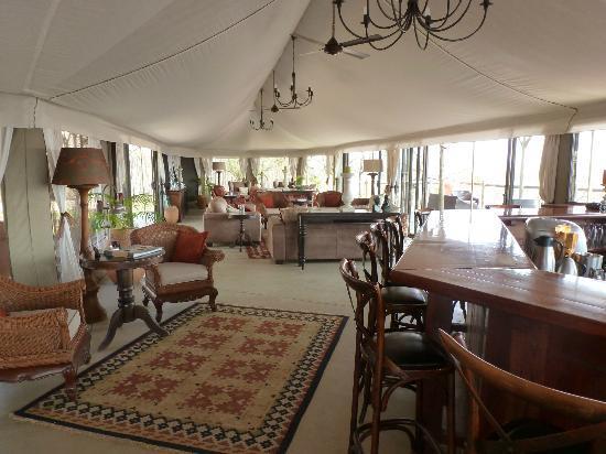 The Elephant Camp: Lodge bar and sitting area