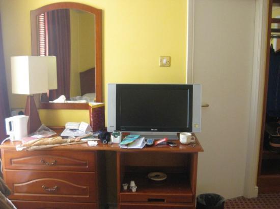 Cassidys Hotel: TV