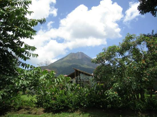 Hotel El Silencio del Campo: View of Volcan Arenal from our room