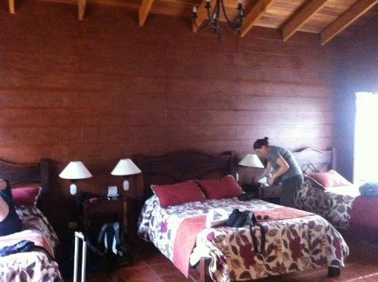Hotel El Silencio del Campo: Our very spacious room, which was its own bungalow