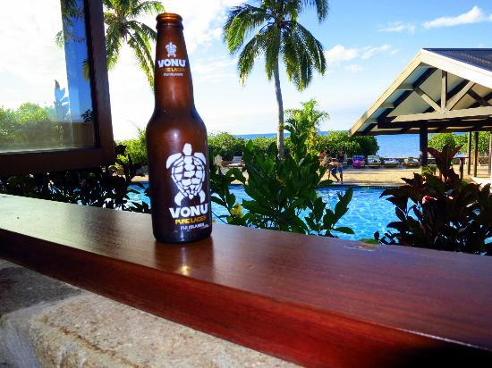 Volivoli Beach Resort Fiji: Vonu Beer from Restaurant Overlooking Pool area
