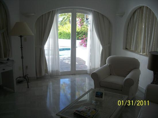Las Hadas By Brisas: this was our room..livingroom