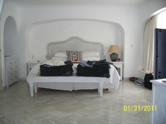Las Hadas By Brisas: our room...bedroom was huge and spacious