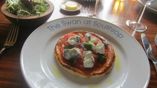The Swan at Southrop: Tomato and goat cheese tart with salad