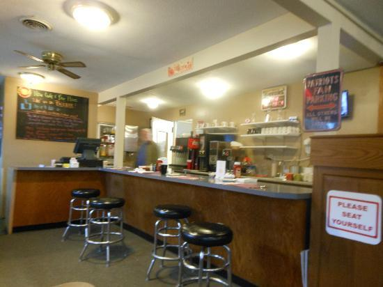 Salmon Falls Cafe: Counter