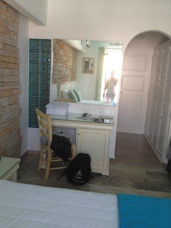Poseidon Hotel - Suites: Room
