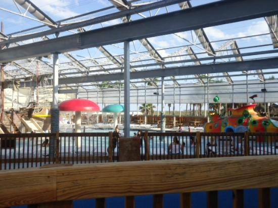 Schlitterbahn Beach Waterpark: Overlooking the kiddie area