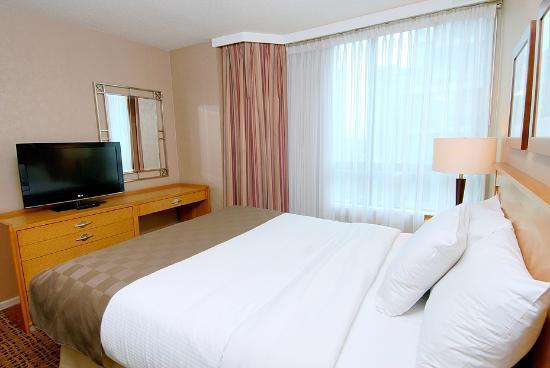Landis Hotel & Suites: Vancouver Hotel - Landis Hotel Queen Bed