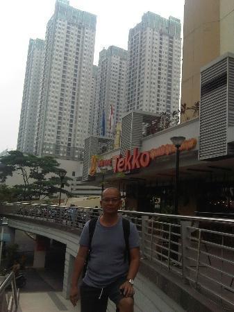 Amaris Hotel Thamrin City: front of hotel