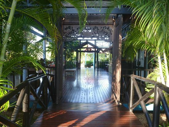 Bali Hai Resort & Spa: Entry to resort