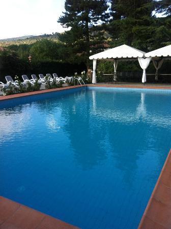 Relais La Corte dei Papi: Pool area