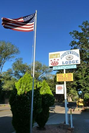Austin's Chuckwagon Lodge and General Store: ACCES
