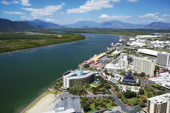 Cairns Harbour Cruises: Trinity Inlet