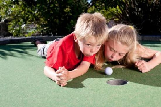 Par2 MiniGolf: Great fun for kids