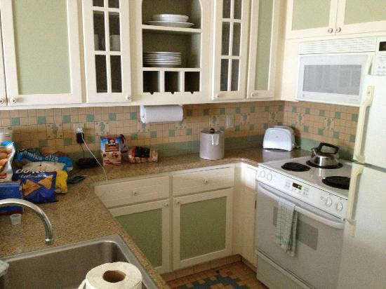 Disney's Beach Club Villas: Kitchen