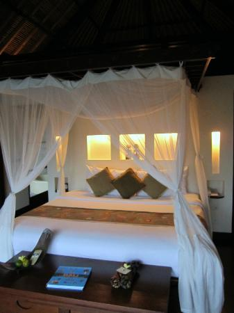 Hanging Gardens of Bali: Bed