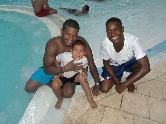 Grand Palladium Punta Cana Resort & Spa: me my son and our friend from animation
