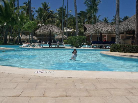 Grand Palladium Punta Cana Resort & Spa: pool area