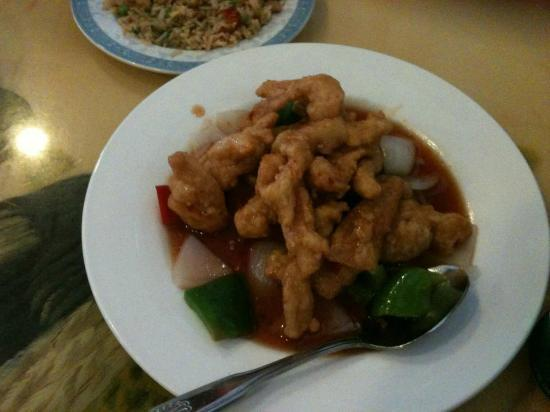 ABC Chinese Seafood Restaurant: general tso's chicken