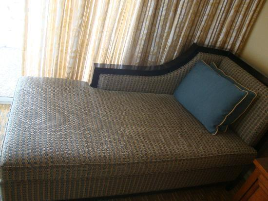 Marriott's Grande Vista: Lovely seat in the master bedroom