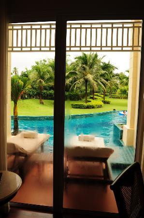 Sofitel Krabi Phokeethra Golf & Spa Resort: View from room, immediate and private access to pool