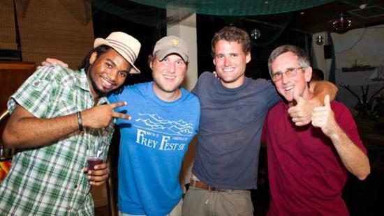 جراويي هوتل: Ole Jetty Bar - Karaoke