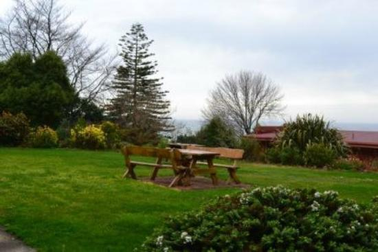 Wellers Inn: Gardens / Ocean Views