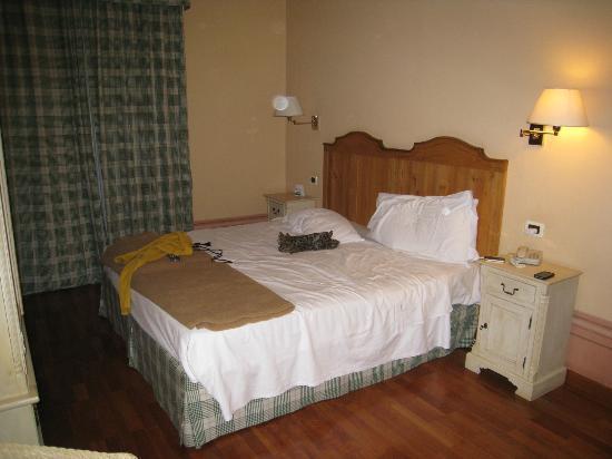 Arti & Hotel: room #2