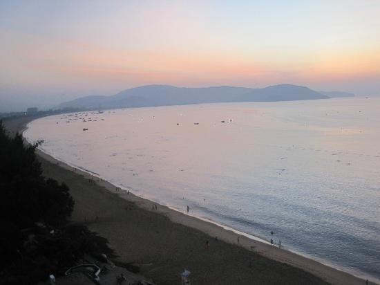 Quy Nhon, Wietnam: Incredible Beach in the sun rise