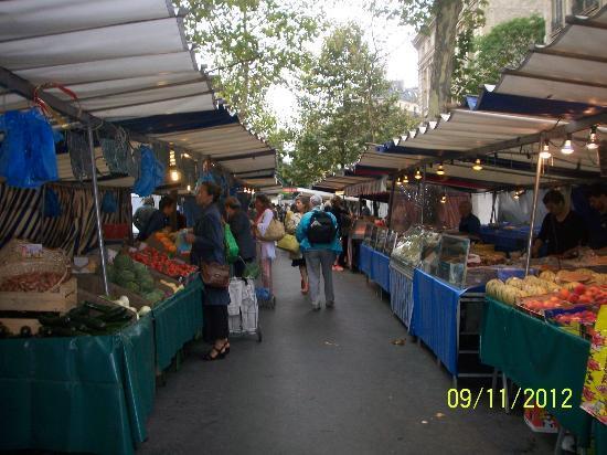 Eye Prefer Paris Cooking Classes: Market Tour @ Rennes