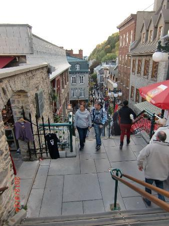Japanese Guided Quebec City Sightseeing Tours on Foot - Quebec Guide Service : Quebec City