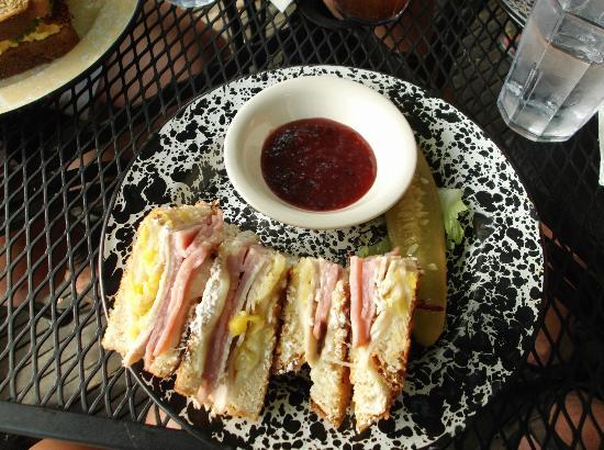 The Courtyard Cafe: Monte Cristo with raspberry dipping sauce