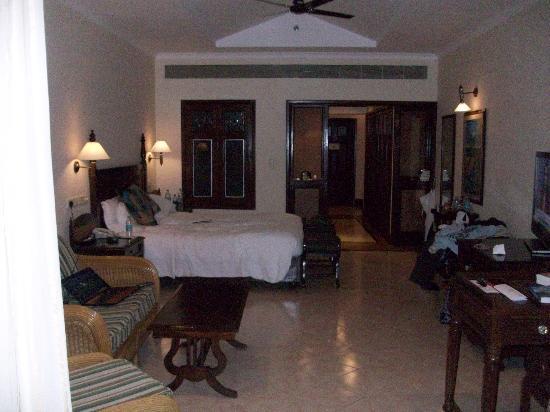 The LaLiT Golf & Spa Resort Goa: bedroom