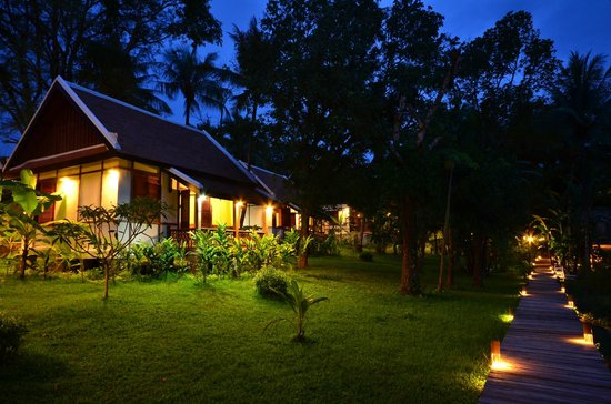 Le Bel Air Boutique Resort: Bungalow building with garden view
