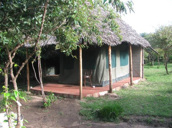 Big Time Safari Camp: Home for Budget Travelers