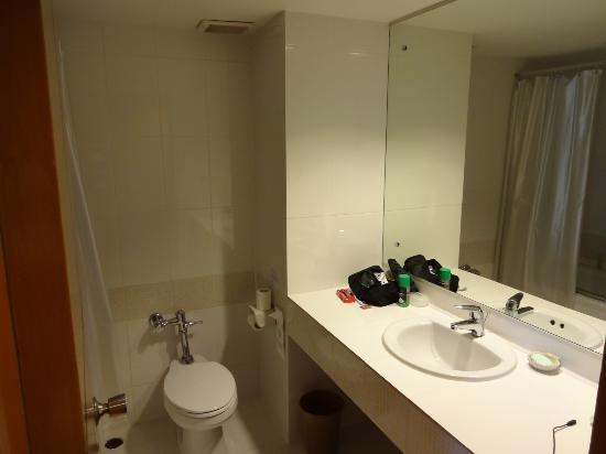 Patong Resort: standard bathroom