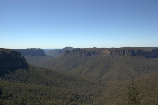 Pulpit Rock (to the left) and the view from Govetts Leap