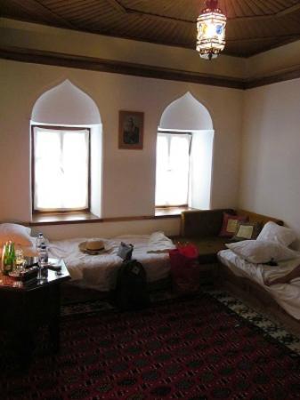 Bosnian National Monument Muslibegovic House Hotel: Twin Room