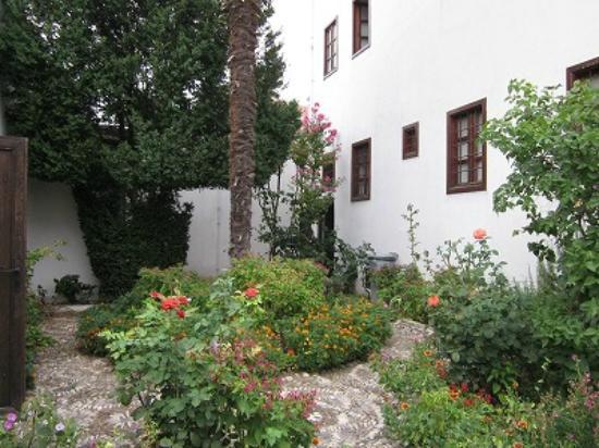 Bosnian National Monument Muslibegovic House Hotel: Courtyard