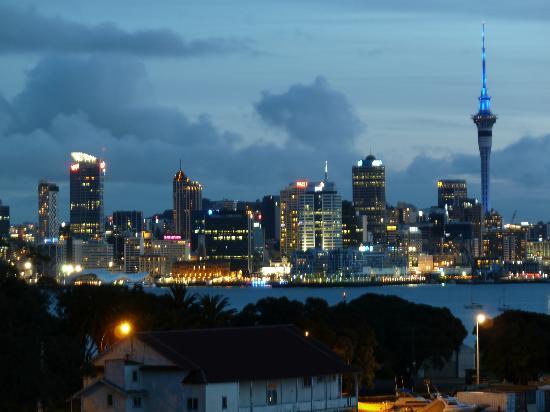VR Takapuna: Auckland at night