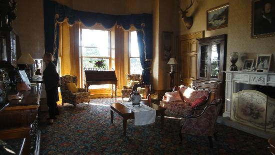 Rupertswood Mansion: Library