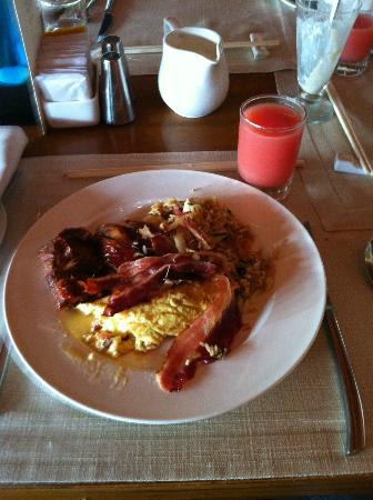 The Laguna, a Luxury Collection Resort & Spa: Great Breakfast