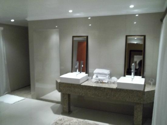 Xanadu Guest Villa: Neptune Bathroom