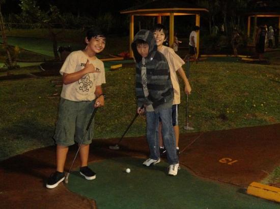 Bay View Mini-Putt And Zipline: Smile! Your on Candid Camera