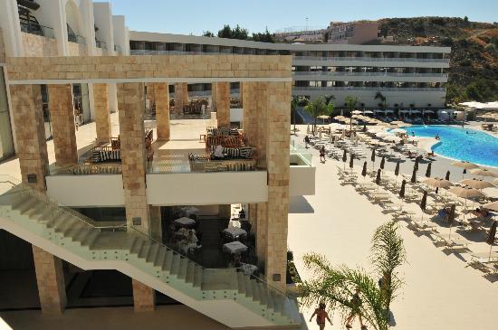 Princess Andriana Resort & Spa : bar & piscina