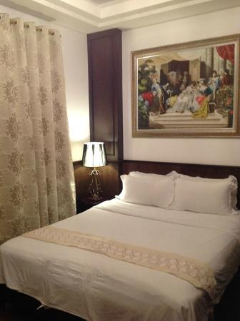 Le Prince Hotel: Executive double bed