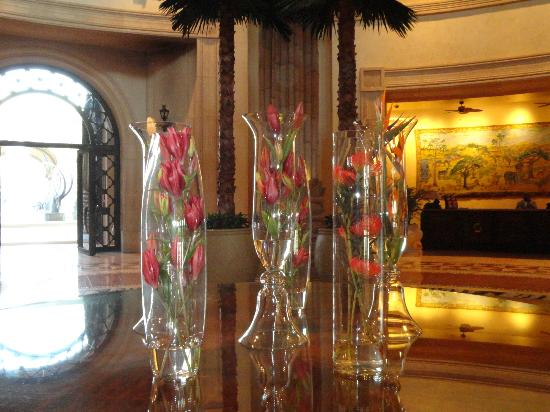 The Palace of the Lost City: such a lovely smell coming from these vases in the foyer