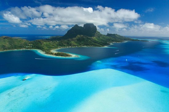 Tahiti-Helicopters: Breathtaking views.
