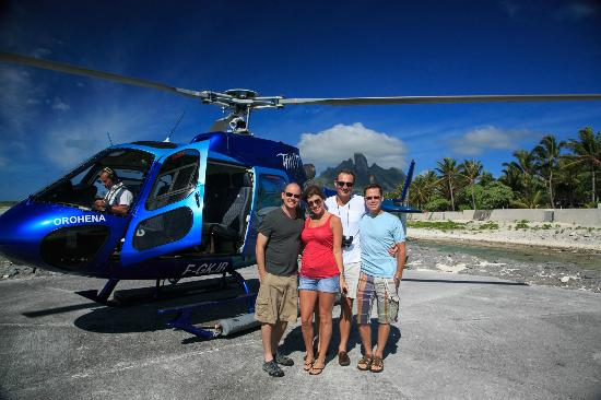 Tahiti-Helicopters: Picking us up at the St. Regis