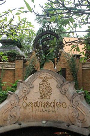 Sawasdee Village: Ingresso Hotel